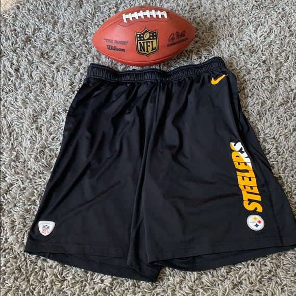 d8d87312 Nike DriFit XL Pittsburgh Steelers shorts